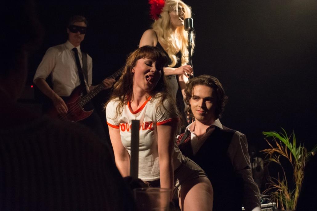 Scarlet Blixen- The Tarantino twist show